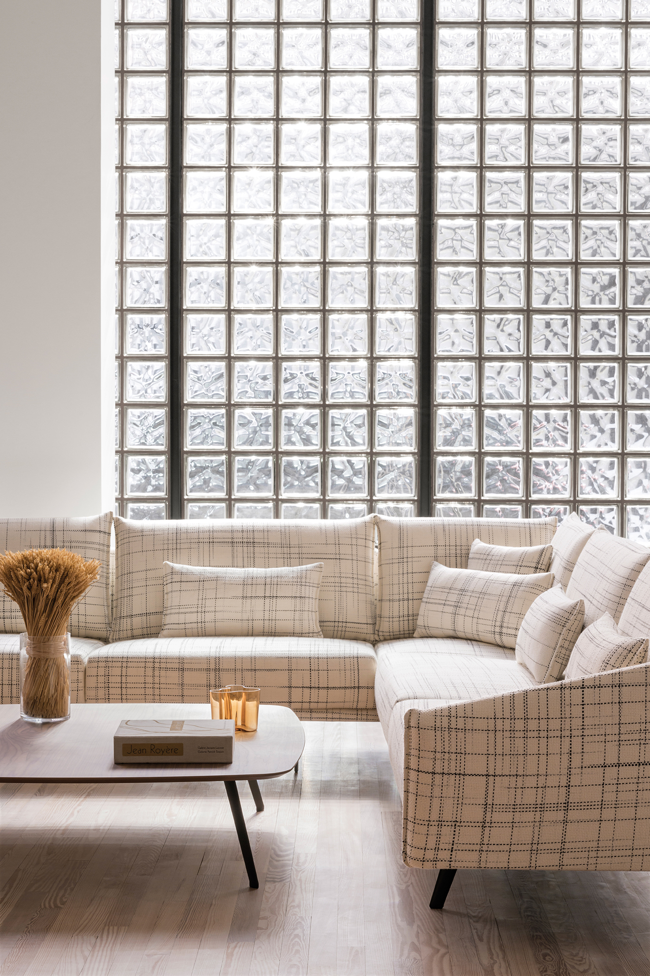 Stua Costura Sofa With Corner In Giulia 201 and Solapa Coffee Table